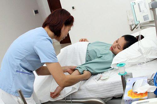 Nữ hộ sinh có vai trò quan trọng trong ngành y tế