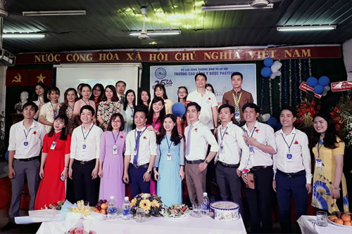 Trường Cao đẳng Y Dược Pasteur chào mừng ngày Nhà giáo Việt Nam