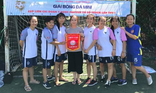 Giải nhất bóng đá nữ
