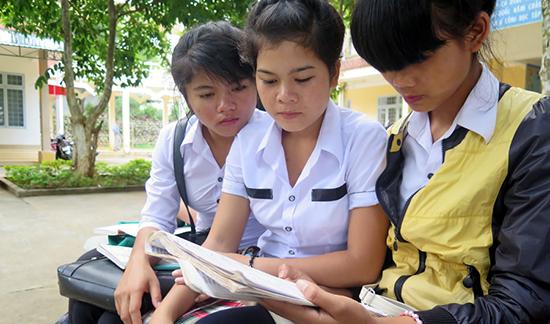 Bị điểm liệt một trong hai bài thi tổ hợp có được xét công nhận tốt nghiệp không?