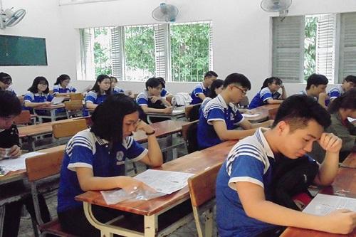 Thí sinh THPT quốc gia bắt đầu làm bài thi ngày thứ 2