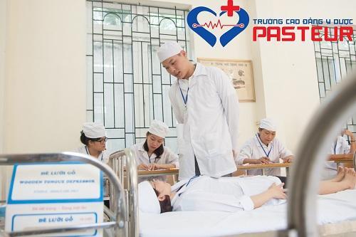 Điều dưỡng viên phải thân thiện với bệnh nhân và người nhà bệnh nhân