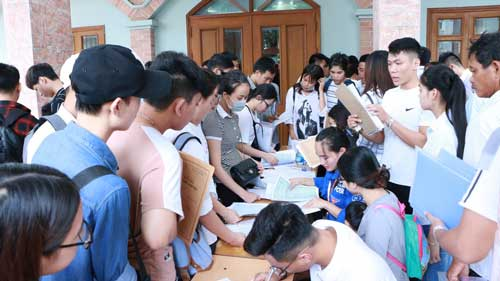 Tại trường ĐH Thành Đô, nhà trường cho biết đã nhập học đến lần thứ 3 cho các tân sinh viên