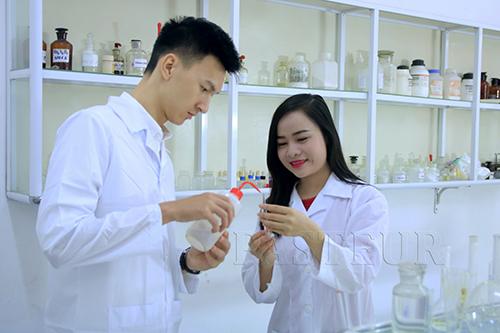 Khai giảng lớp cao đẳng dược tại Sài Gòn