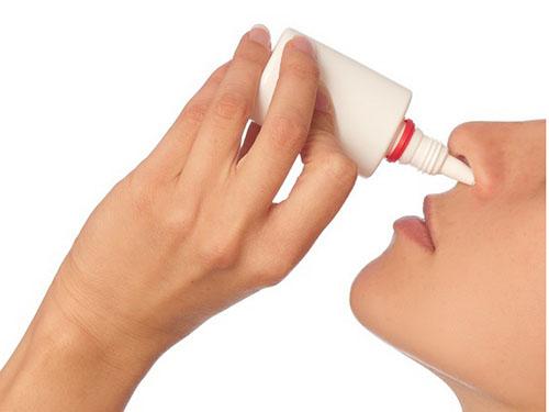 Thuốc kháng histamin dạng xịt, nhỏ mũi:
