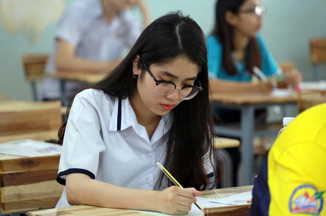 Thứ trưởng Bộ Giáo dục nên lập hội đồng bốc thăm bài thi để tránh gian lận