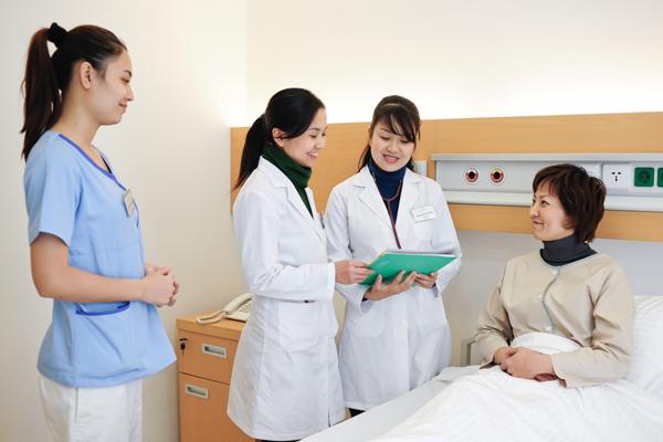 Nhật Bản nới lỏng tiêu chuẩn tuyển thực tập sinh Điều dưỡng