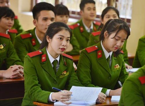 Quyền lợi của sĩ quan, chiến sĩ công an khi tham gia tuyển sinh ĐH năm 2019