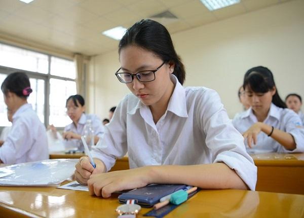 Thí sinh được chọn thi cả hai bài thi tổ hợp KHTN và KHXH