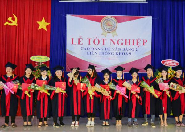 Lễ tốt nghiệp Cao đẳng Văn bằng 2 và Liên thông khóa 09