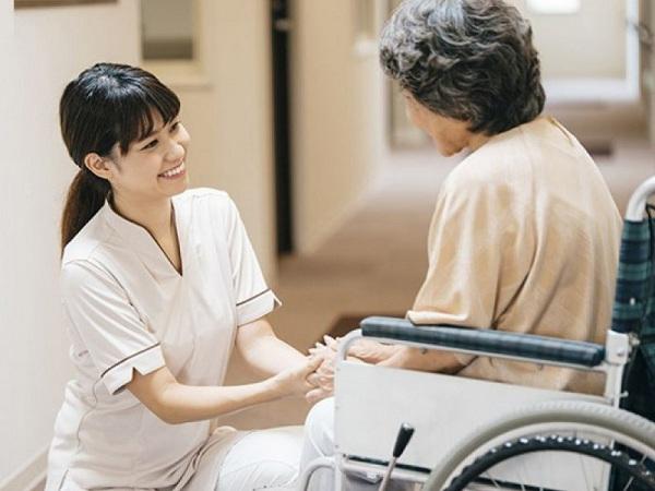 Học Văn bằng 2 Cao đẳng Điều dưỡng cơ hội làm việc làm tại nước ngoài rộng mở