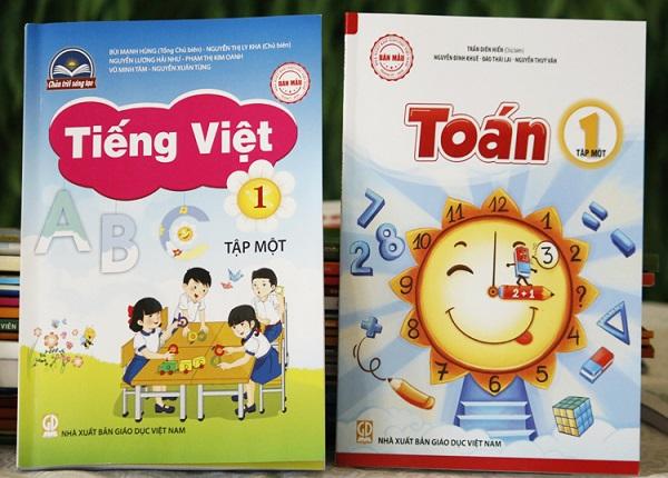Sách giáo khoa lớp 1 mới được giới thiệu tại các trường THCS tại Hải Phòng